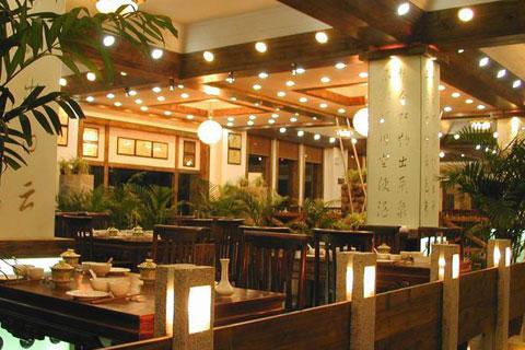 江南人家餐廳中式設計,營造古典氛圍的華貴與優雅
